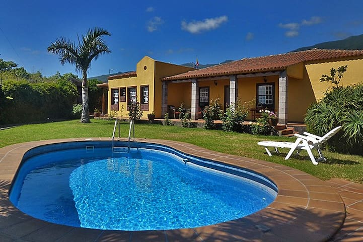 Holiday villa with heated, private pool - Breña Alta - Villa