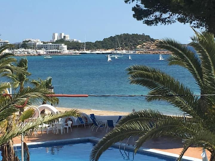 Private room in beachfront apartment Santa Eulalia