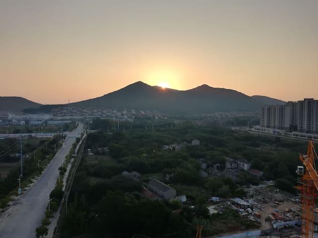 东阳台可观宝华山日出