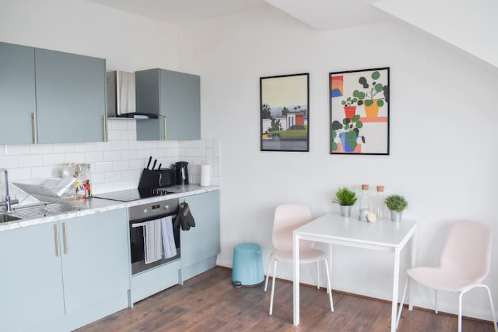 Stylish & Contemporary 1 bed flat in central Hove