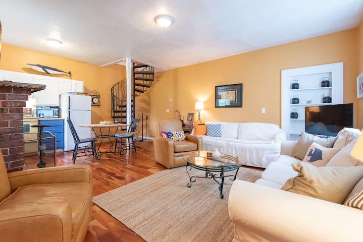 Charlottetown Charming Heritage Apartment