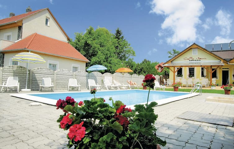 Holiday apartment with 9 bedrooms on 210m² in Vonyarcvashegy