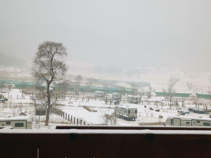海坨山谷全景花园房 卢灯民宿