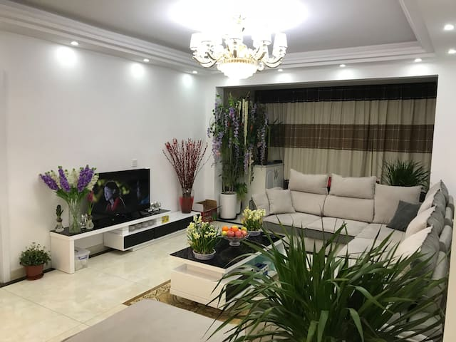 2 bedrooms in spacious apartment in Yancheng city