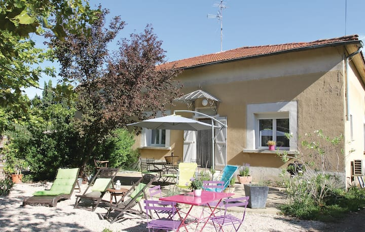 Nice home in Saint Remy de Provence with 2 Bedrooms