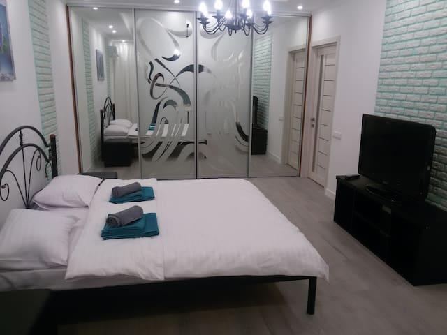 Отличная квартира в удобном месте - Kijów - Apartament