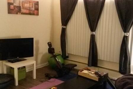 DC Apartment - HUGE - Adelphi - Lägenhet