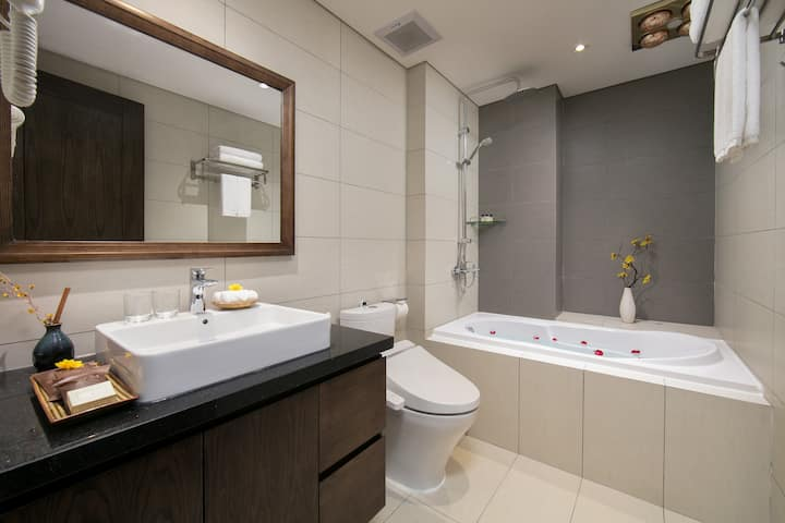 ★Opening Offer★Elegant 1 br apt with view Cau Giay