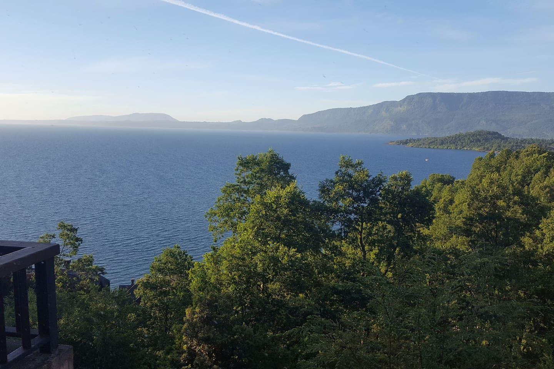 Vista desde la terraza al Lago Villarrica