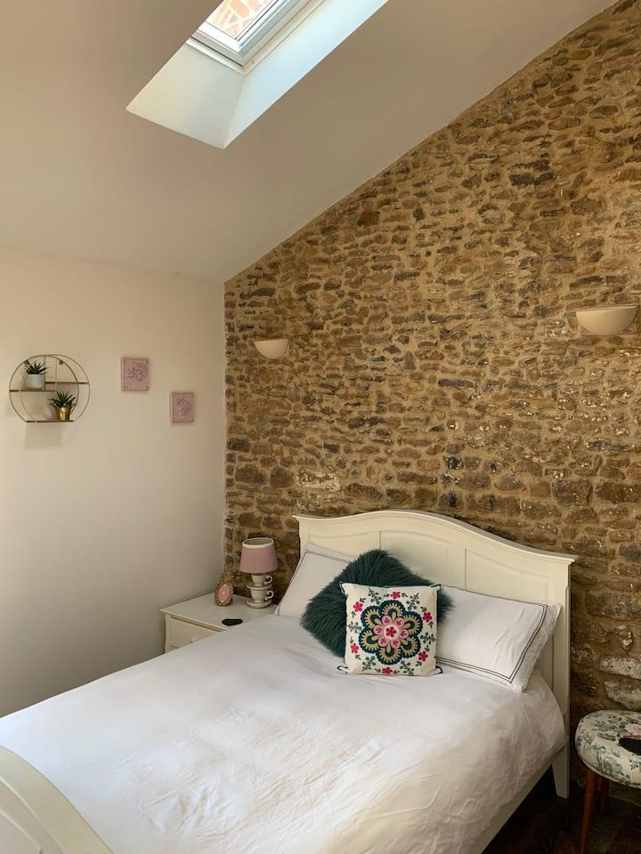 1 bedroom character annex close to Sandringham