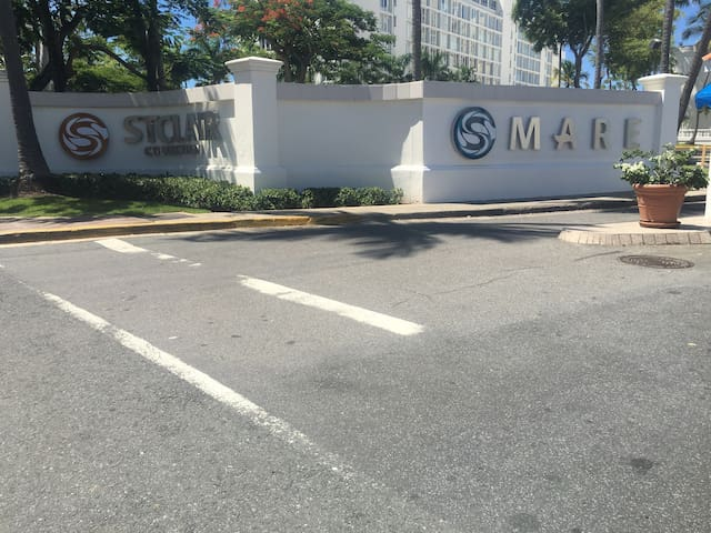 The ESJ Azul is currently changing its name to StClair Mare. This is part of the entrance view from Isla Verde Avenue.