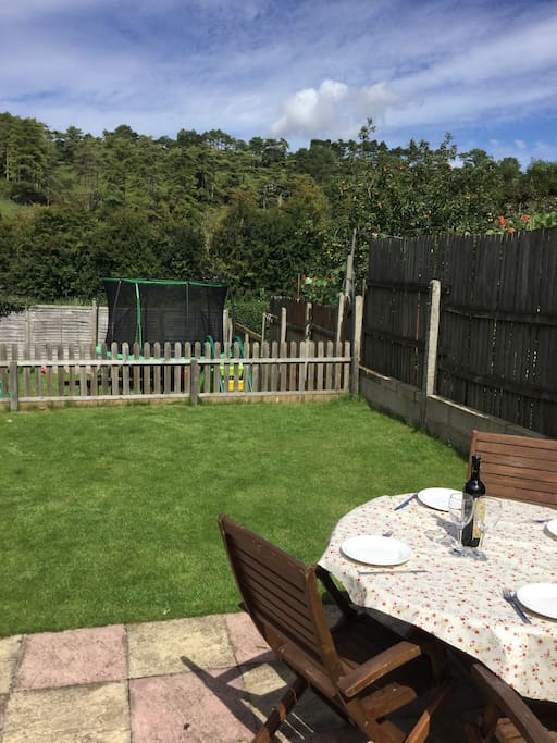 A stunning garden with space for both adults and children to enjoy. All enclosed and safe for young children to enjoy whilst parents relax.