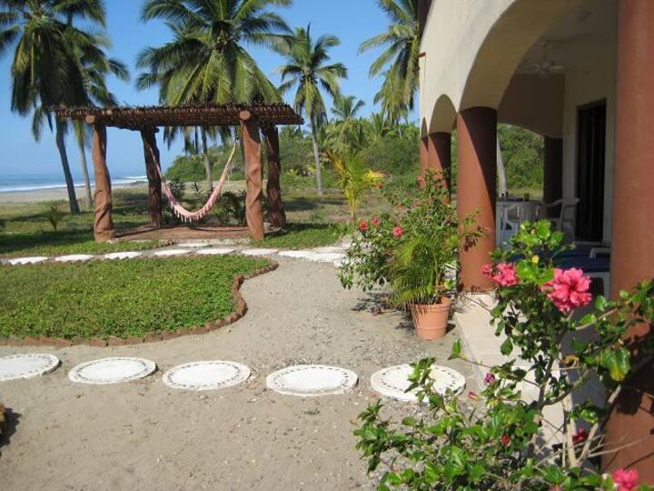 Casa Rosalinda #2- Beachfront villa near Troncones
