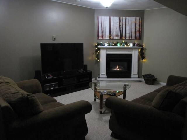 Cozy Bungalow Bedroom Option 2