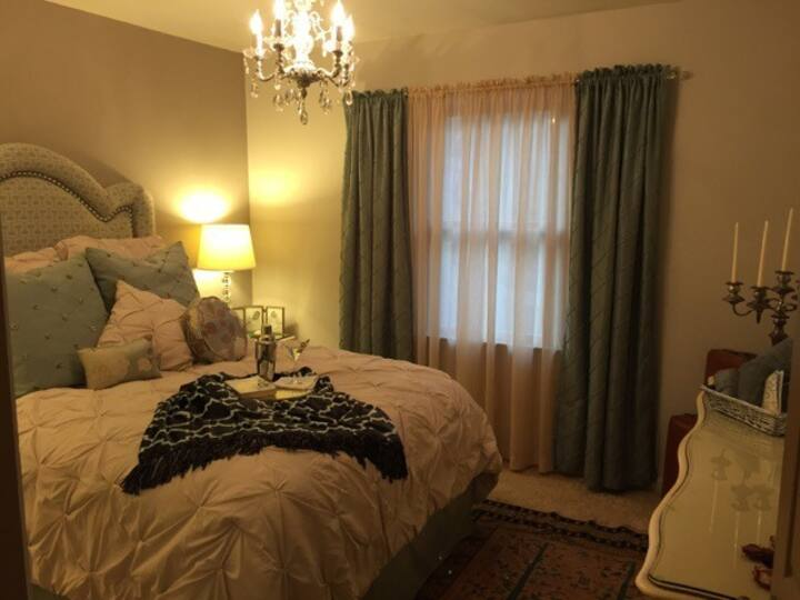Private Room & Bath w/no add on fees