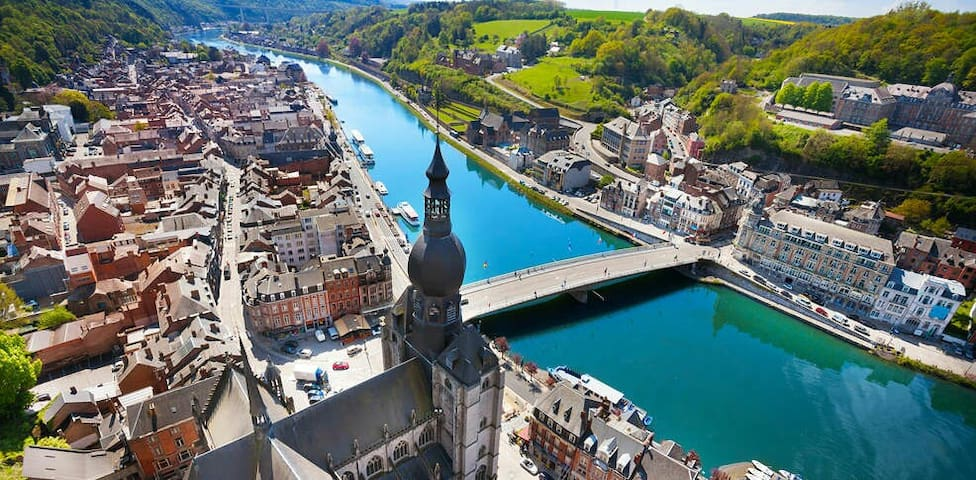 A so amazing village, a so comfortable flat, so close from Dinant.