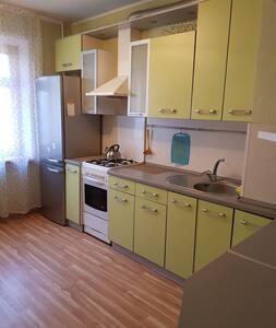 Хорошая трёхкомнатная квартира на Саратовском шосе
