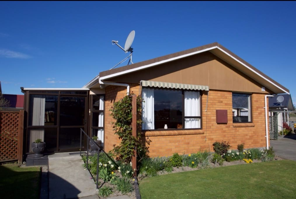Greenpark timaru city parkside houses for rent in for Parkside guest house bath
