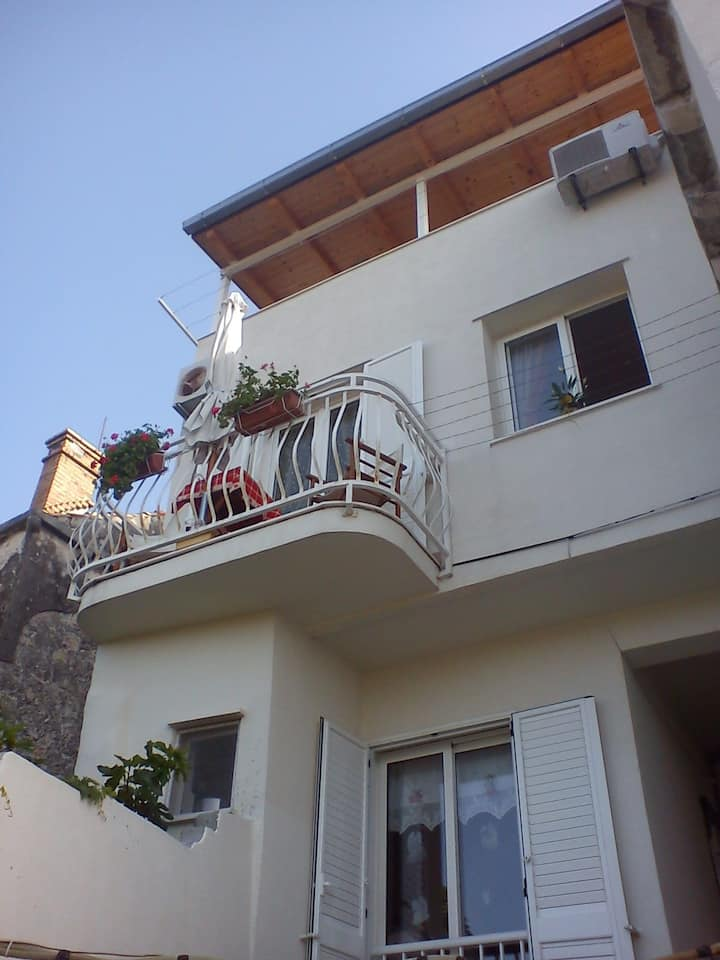 Apartment 6 min. walk to Old town