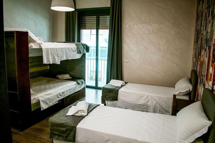 HostelTrastevere posto letto dormitorio maschile 4