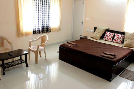 Billabong Homestay, Peelamedu - Coimbatore - Apartamento