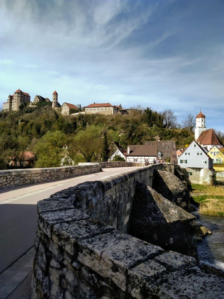 Burg und Brücke / Castle and old bridge