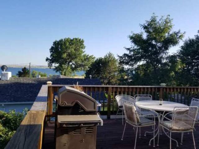 Cabin at the Cove has a beautiful deck overlooking Lake McConaughy.