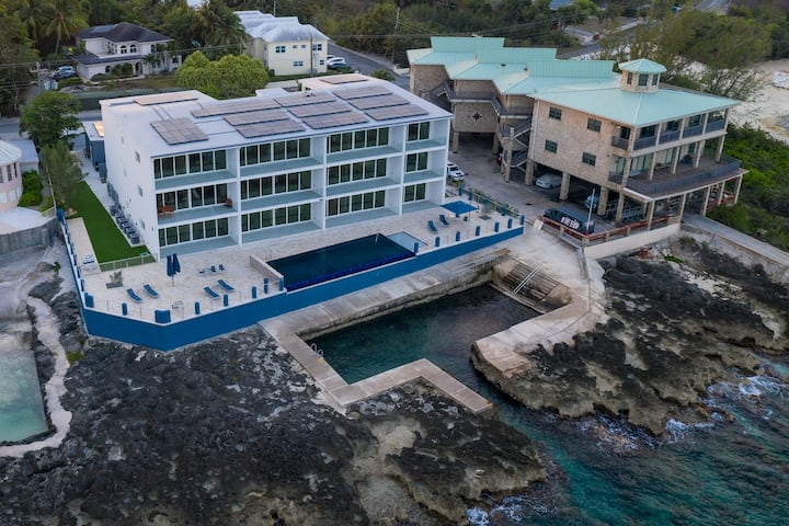 Lighthouse Point Condo #7 - Onsite Shore Diving