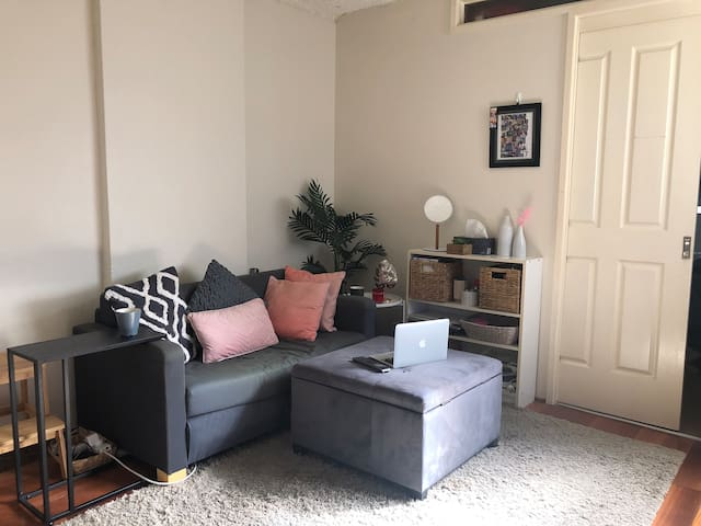 1 Bedroom Unit for 1P or Couple (JULY 1-31st only)