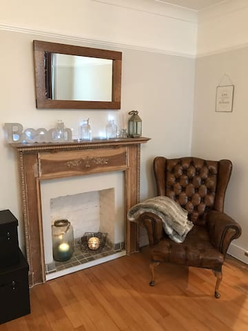 2 mins from sea with parking in pretty Sandgate - Folkestone  - Lejlighed