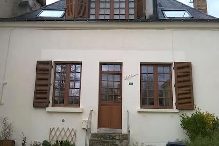 Chaleureuse maison de bourg - Ev