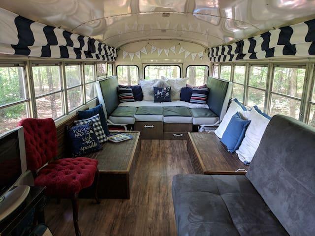 Stay Bird Bus B&B at New Tiny-Living Eco-Farm