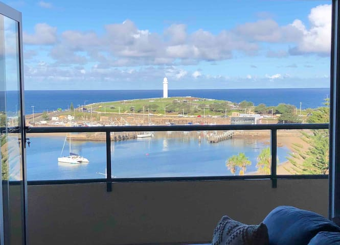 Stunning Penthouse Views over Wollongong Harbour