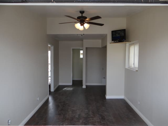a beautifully remodeled home coolio - Rosamond
