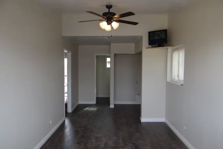 a beautifully remodeled home coolio - Rosamond - Hus
