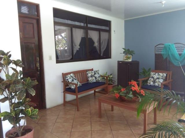 Cabinas El Ancla Puntarenas Centro-Apartamento