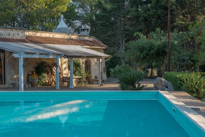 Trulli Inn Villa: piscine, jardin, barbecue, wifi