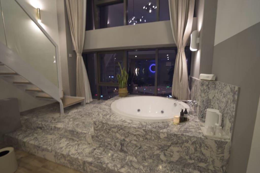 直径1.5米超大按摩气泡浴缸