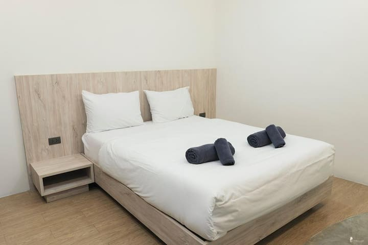 Standard Double Bed(Private room+Private washroom)