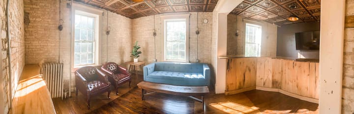 *Guesthouse in Historic Dormitory