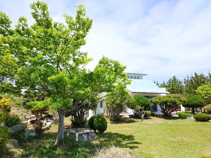 Geoje Skyblue House
