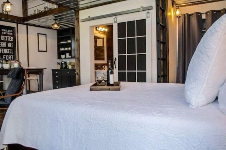 NEW YORK LOFT STYLE Guest House   WINTER SPECIAL