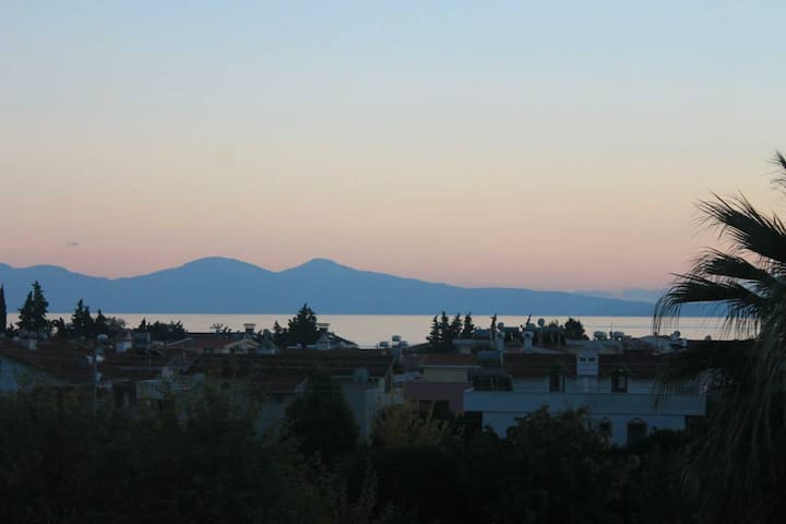Stunning Sea Views in Ozdere - Menderes - Pis