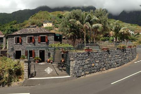 Quintinha Tipica Madeirense - Sao Vicente - Apartment