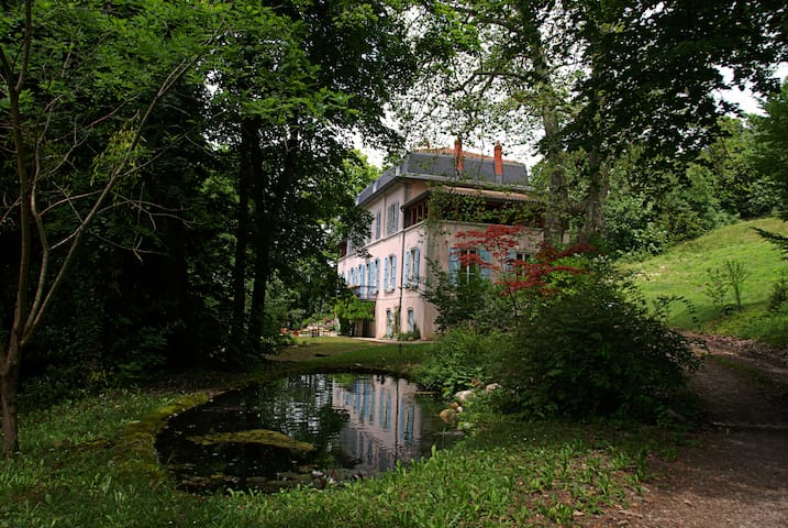 La Briseline - Lhuis - ที่พักพร้อมอาหารเช้า