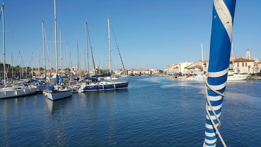 Voilier à flot Port de Ferrière Martigues - Martigues - Boot