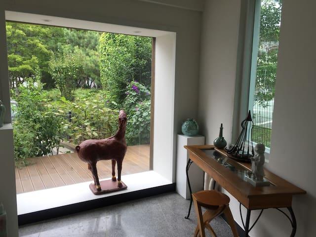 해운대 Cozy & Artistic House