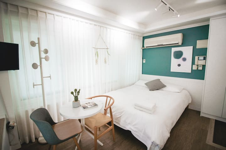 ★Beautiful Studio★ in hongdae Seoul  [中文&Eng]