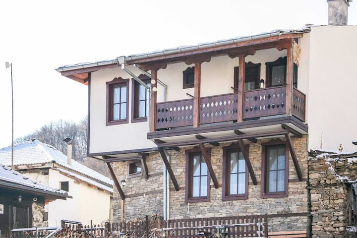 Fabulous Traditional Villa Amidst Amazing Nature