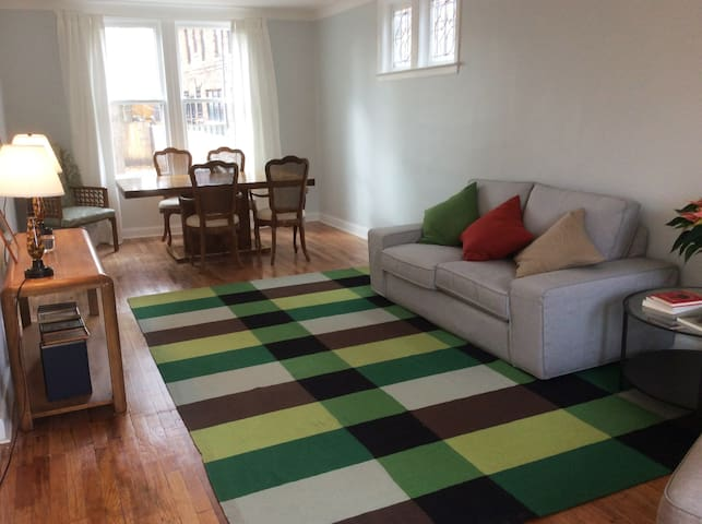 Gorgeous home (3 rooms) in trendy West Village. - Detroit